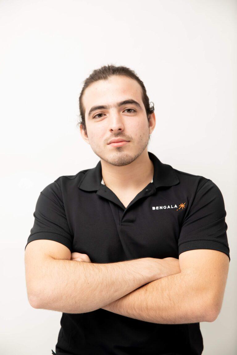 Santiago Cantú  Front-End Developer